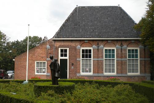 De-Hofboerderij-Wateringen-met-beeld_500x333-96ppi